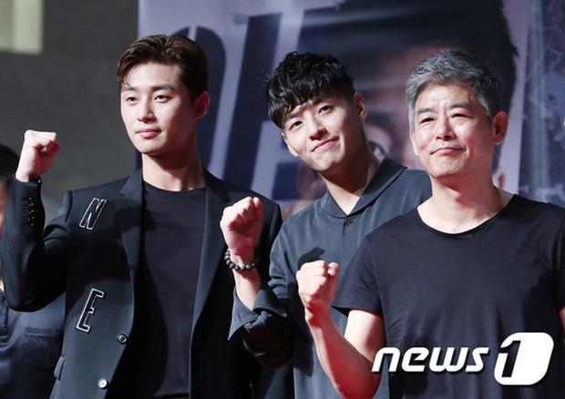 "dan sao ""khung"" toi chuc mung tai tu ""thanh xuan vat va"" park seo joon - 1"