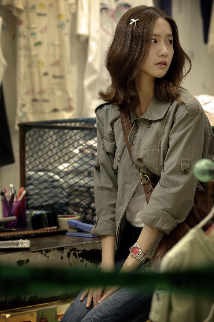 Yoona đã phải cắt mái tóc ngắn để phù hợp với vai diễn này.