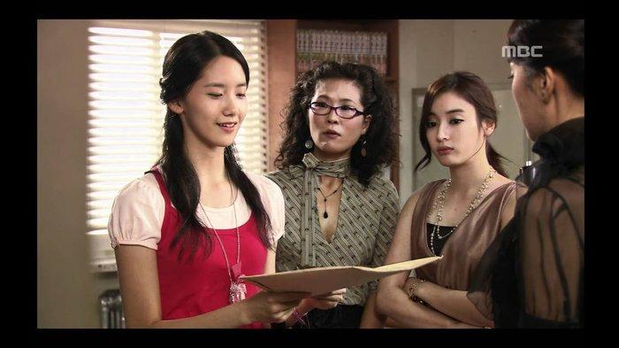 Vai diễn trong Chuyện Tình 9 Và 2 là bước đệm đầu tiên trong sự nghiệp diễn xuất của Yoona.